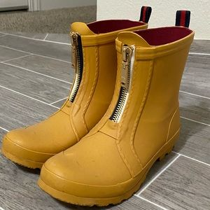 Tommy Hilfger low rain boots